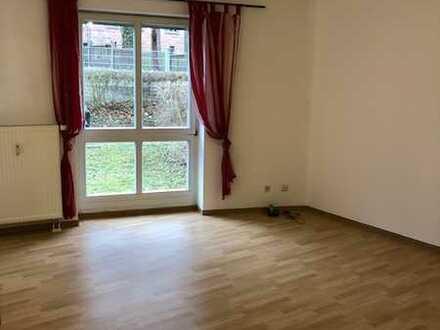 Stilvolle, gepflegte 2-Zimmer-Erdgeschosswohnung mit Terrasse und Einbauküche in Jena