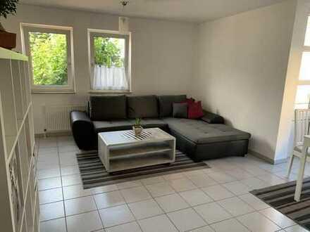 Stilvolle, möblierte 2-Zimmer-Wohnung mit Einbauküche in Stuttgart