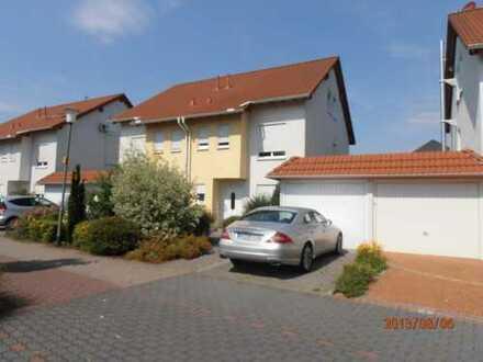 Schönes Haus mit sechs Zimmern in Hanau-Steinheim