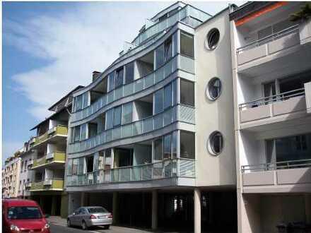 Stilvolle, geräumige 3-Zimmer-Wohnung mit Balkon und Einbauküche in Bonn-Beuel
