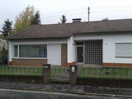 Freistehendes Haus mit Garage, Terrasse und großem Garten in Weitersweiler, Donnersbergkreis