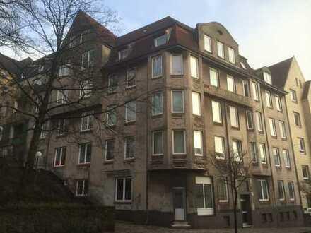 3-Zimmer-Wohnung in der Friesichen Straße 38 zum 01.04.2019 (Durchgangszimmer!)