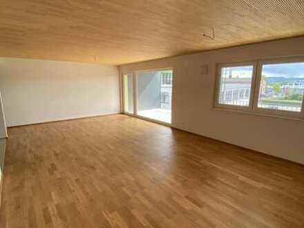 Ruhige 3-Zimmer-Wohnung im Erdgeschoß mit großem Balkon in zentraler Lage