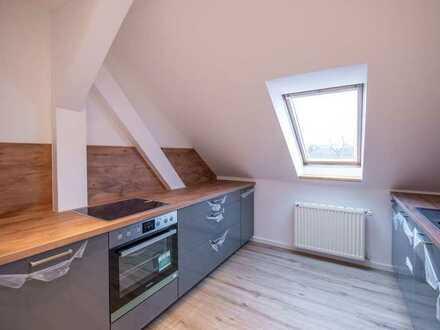 Nutzfläche ca. 70 m² - Erstbezug nach Sanierung - 2 Zimmer Wohnung