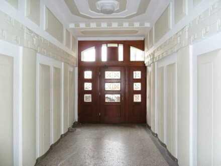 Neu renovierte 5-Zimmer-Wohnung mit Charme! Original Parkett/Altbau/Balkon!