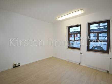 Neu renovierte, helle 3,5 Zi-Räume in bester Lage von Ebingen! ideal für Büro-Praxis-Kanzlei!