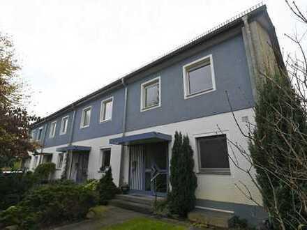 Reihenendhaus in Berlin-Rudow, voll unterkellert, 409 qm Grundstück mit Garten, Sauna und Garage