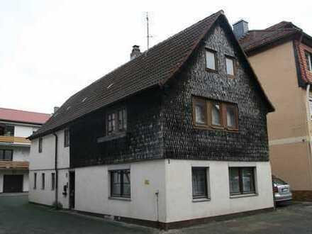 ***Sanierungsbedürftiges Fachwerkhaus im Herzen von Bad König***