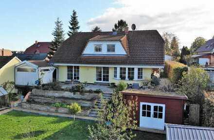 Einfach einziehen - Schickes Einfamilienhaus mit 176 qm in Müncheberg - Moderne Küche inklusive