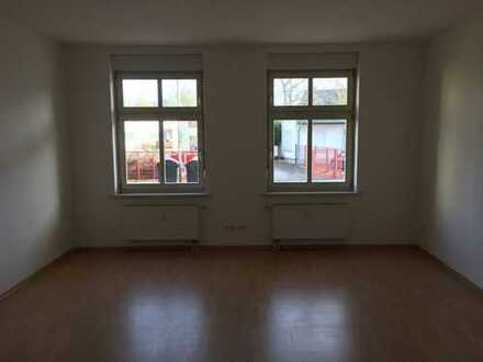1-Raumwohnung_zentrale Lage_Küche mit Terrasse_Extra Eingang