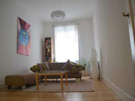 **Schöne 2 Zimmer Altbauwohnung in Bornheim Mitte**