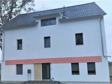 Kernsaniertes Doppelhaus mit viel Potential