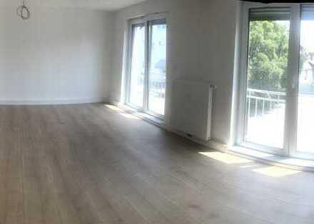 Schöne, geräumige drei Zimmer Wohnung in Karlsruhe, Neureut