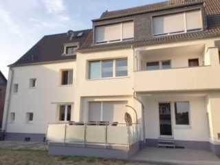 ***Sanierte 2 Zi. Wohnung mit Terrasse in unmittelbarer Rheinnähe!!!***