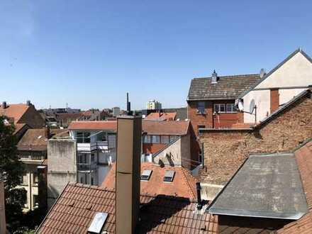 Kleine gemütliche Wohnung mit dem Blick über die Dächer von Karlsruhe