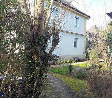 München/Aubing-Kapitalanlage:Altbau-DHH mit Garten zur ruhigen Seitenstraße, vermietet