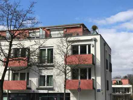 Exklusive, sehr helle, sonnige 3 Zimmer Wohnung mit Dachterrasse und Balkon