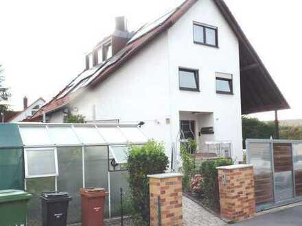 Gepflegte helle 4-Zimmer-Wohnung mit Balkon und EBK in Schwabach