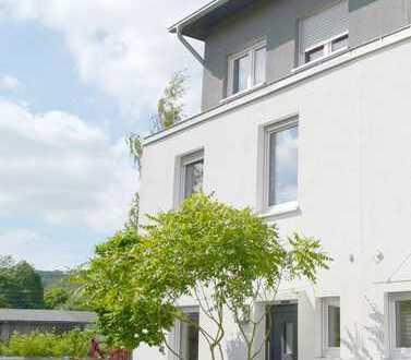Erstbezug: moderne, energieeffiziente Doppelhaushälfte in beliebter Wohnlage