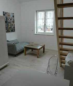 Erstbezug einer hellen 1-Zimmer-Galerie Wohnung in Seenähe, teilmöbliert