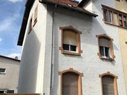 2-3-Familienhaus und Einfamilienhaus in zentraler Lage