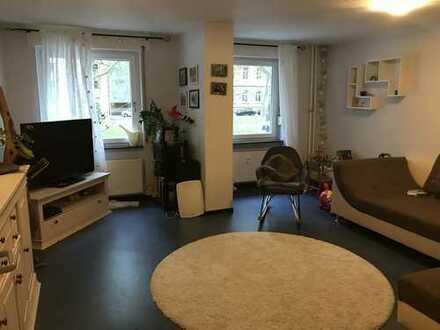 Gepflegte 3-Zimmer-Hochparterre-Wohnung mit Garage