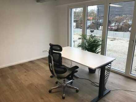 Lagerhalle Isoliert, 25 x 4 m + extra shared Office; LKW Zufahrt inkl. MwSt