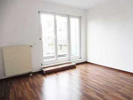 Schöne 2-Zimmer-Wohnung mit EBK und Fahrstuhl in Teltow