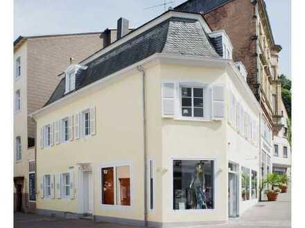 Zentral, uninah, Altstadtquartier historisch
