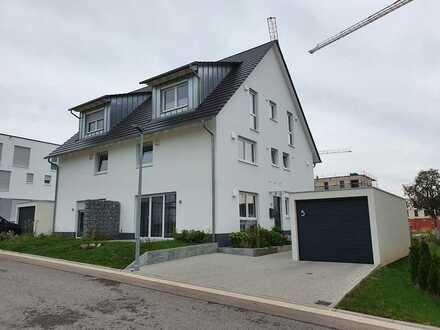 Zentral gelegene Doppelhaushälfte mit sieben Zimmern in Schwäbisch Hall (Kreis), Schwäbisch Hall