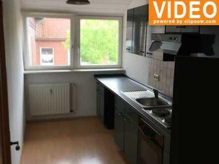 Schöne 3 ZKB Wohnung mit Einbauküche im 1. OG
