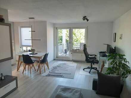 Hochwertige 2-Zimmer Wohnung in guter Lage mit TG-Platz und EBK