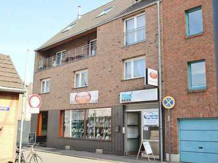 Großzügige Dachterrassen - Wohnung mit neuer Einbauküche und Stellplatz!