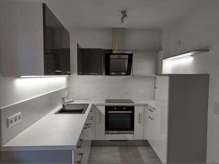 Vollständig renovierte 3,5-Zimmer-EG-Wohnung mit EBK in Amberg