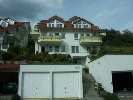 Exklusive, neuwertige 5-Zimmer-Wohnung mit Balkon und EBK in Haiterbach