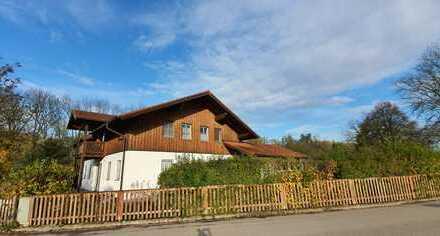 ... exklusives EFH mit 180m² Wfl. und EBK in idyllischer Lage mit 1.000m² am Bach nahe Mühldorf ...