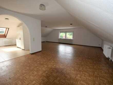 Attraktive 4-Zimmer-Dachgeschosswohnung mit Einbauküche in Ramstein-Miesenbach