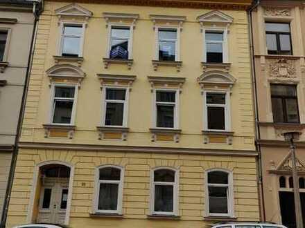 Zögern Sie nicht - 4 Zimmer Wohnung mit neuem Parkett und bald neuer EBK zentrumsnah!!