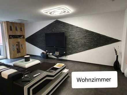 Neuwertige 4-Zimmer-Wohnung voll möbliert mit Balkon und EBK in 70806, Kornwestheim
