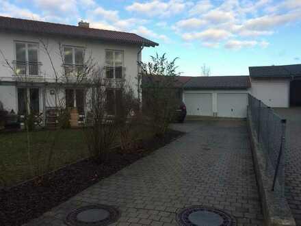 Gepflegte Doppelhaushälfte in Altdorf-Pfettrach