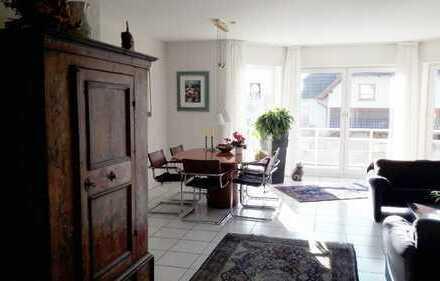 Wunderschöne fünf Zimmer Maisonette 1.OG und DG mit Studio