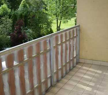 ~ hübsche helle 2-Raum Wohnung mit Balkon ~