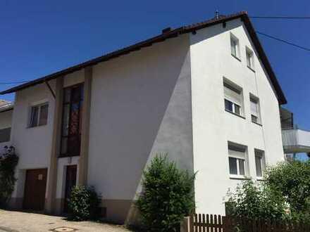 1- Familienhaus/Mehrgenerationenhaus, zentral mit Garten und Garage in Geisingen