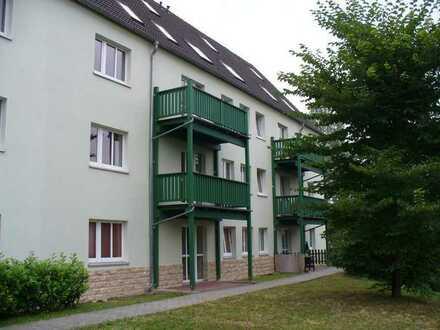 2 Raum Wohnung mit Einbauküche und schöner Terrasse ist noch frei