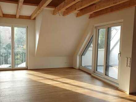 Erstbezug: luxuriöse 4-Zimmer-DG-Wohnung mit Balkon in zentraler Lage in Gerlingen