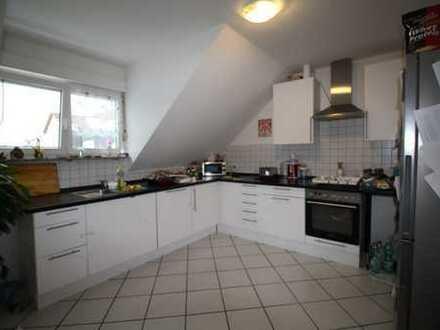 Sehr helle renovierte Wohnung in Rodgau Dudenhofen.