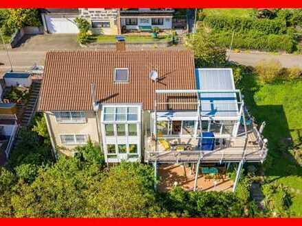 Exklusives Wohnhaus mit großem Grundstück inklusive Bauplatz