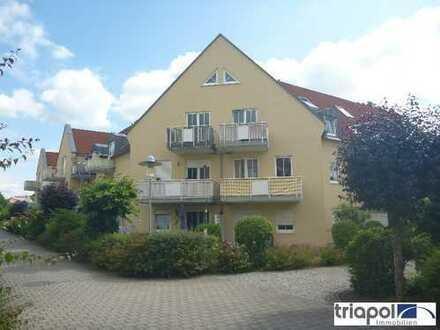 Kleine 2-Zi.-Wohnung mit Terrasse und kl. Gartenanteil in ruhiger und grüner Lage.