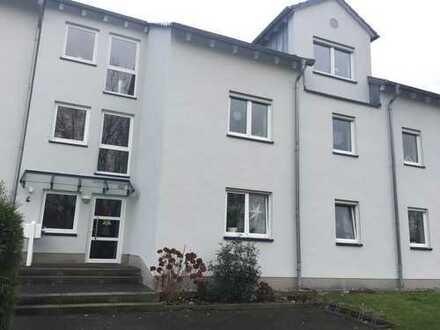 Gepflegte 4-Zimmer-Wohnung mit Balkon und EBK in Unna mit zwei Tiefgaragenplätzen