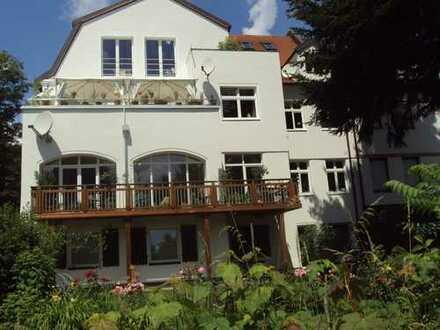 Attraktive 4-Zi.-Wohnung 162 qm, in Erlenstegen